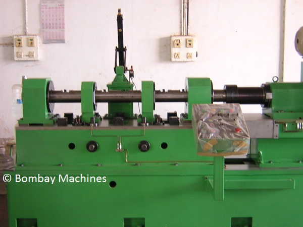 FIXTURE OF CRANK BORE BORING MACHINE